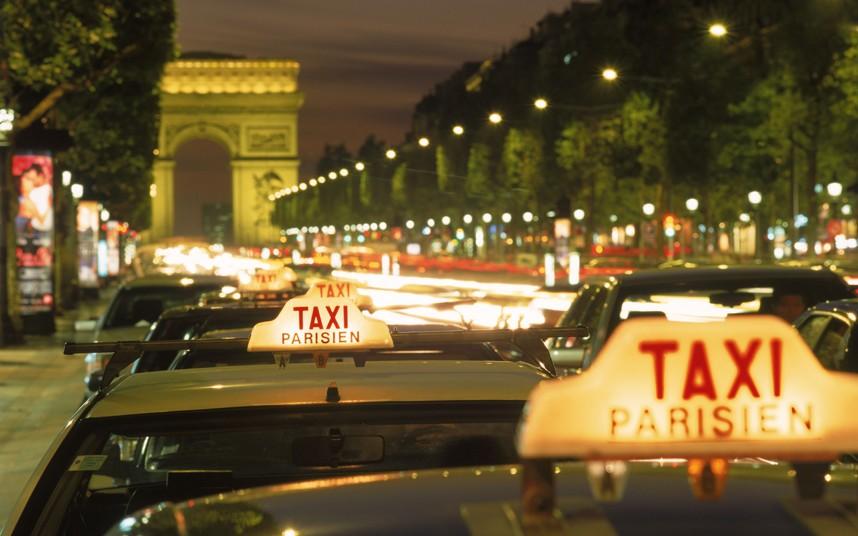 Цвет такси в франции