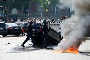 Парижские таксисты заблокировали въезды в аэропорты города