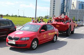 Смольный окончательно определился с цветом такси в Петербурге