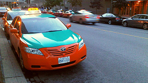 Лицензии для таксистов в Торонто: ждать ли изменений?