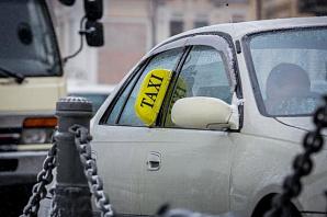 В Приморье сотрудники ГИБДД массово проверяют таксистов