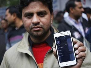 Водители Uber  выступают против правительства Дели