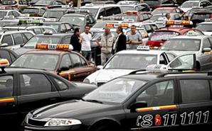 В Варшаве проходит акция протеста таксистов