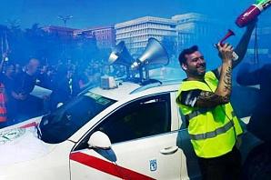 Испанские таксисты проведут всеобщую забастовку 30 мая