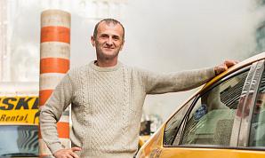 «Для такси не будет будущего». Водители желтых такси в Нью-Йорке погрязли в долгах