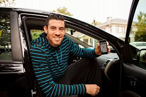 Uber обязали предоставлять водителям отпуск и минимальную зарплату