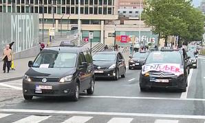 Акция протеста таксистов привела к автомобильному хаосу в Брюсселе
