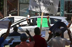 Таксисты Кембриджа бастуют в знак протеста против Uber и Lyft