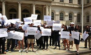 Uber вынудил администрацию NY отказаться от планов по ограничению такси-сервисов